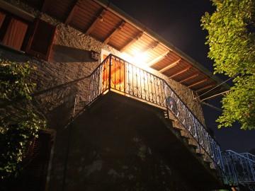 Casa Alegra bei Nacht - Ferienwohnung Comer See