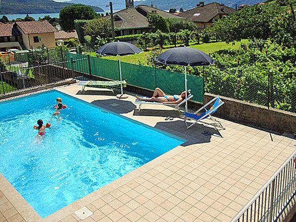Villa elisa ferienwohnung am comer see ferienwohnungen oberitalienische seen casalario - Pool auf rasen stellen ...