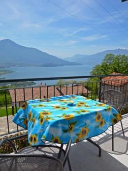 Balkon mit Blick auf den Comer See