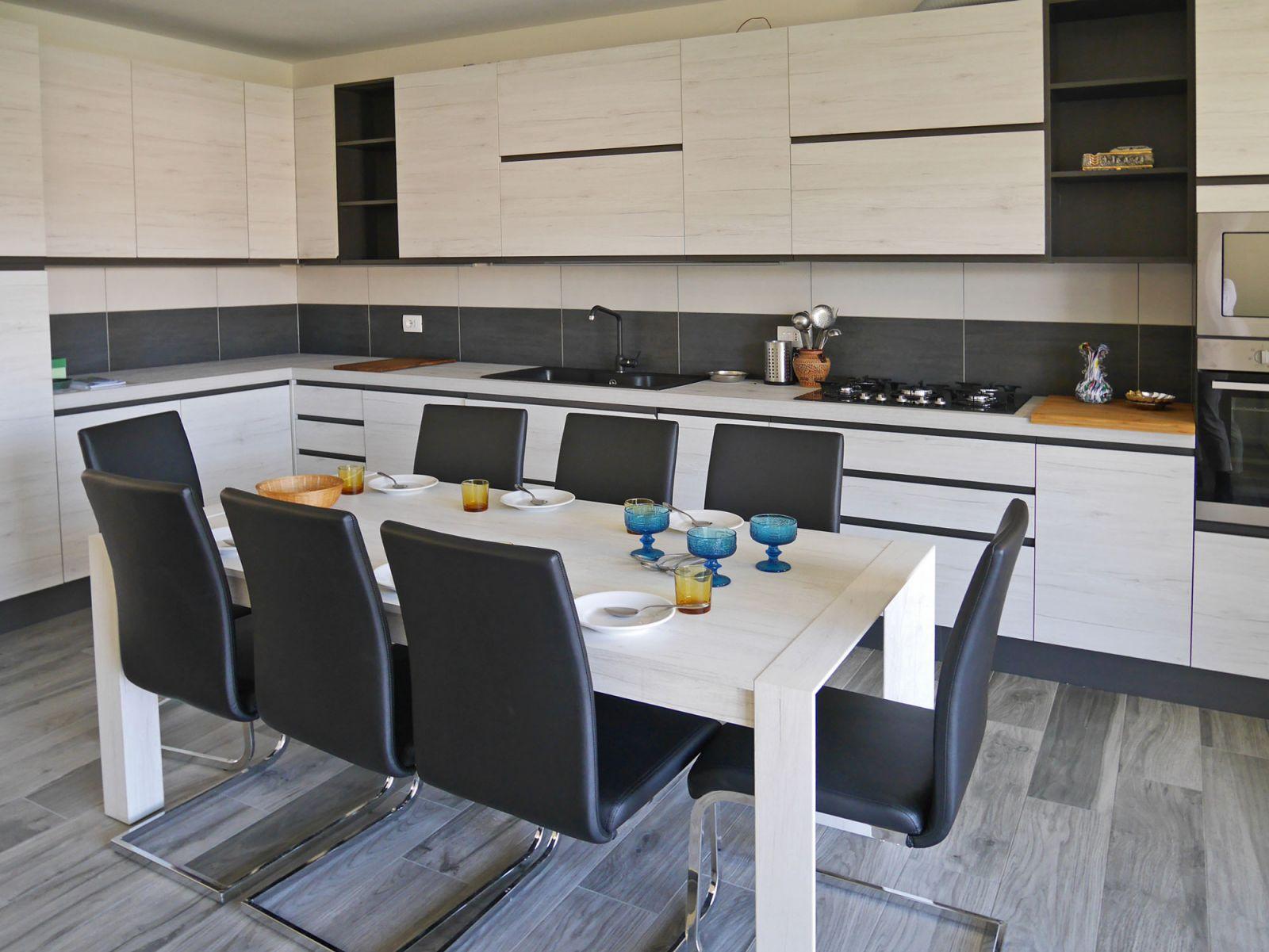 Ziemlich Lässig Küchenmöbel Bilder - Ideen Für Die Küche Dekoration ...